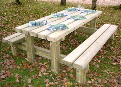 table pique nique rustique. Black Bedroom Furniture Sets. Home Design Ideas