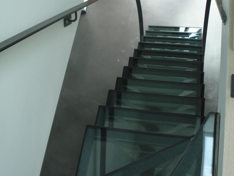 escaliers droits transparence limon central rond. Black Bedroom Furniture Sets. Home Design Ideas