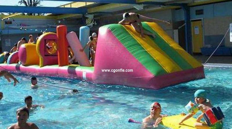 Jeux gonflables aquatiques tous les fournisseurs for Piscine gonflable 2m