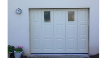 groupe gmh fermetures produits portes de garage sectionnelles. Black Bedroom Furniture Sets. Home Design Ideas
