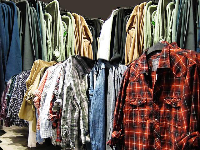 palette lot revendeur de 50 vetements friperie hommes blousons jeans marque