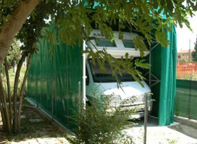 Abri camping-car semi-fermé PVC pliant / structure en aluminium / toiture à deux pans en plastique / 4 x 3.10 m