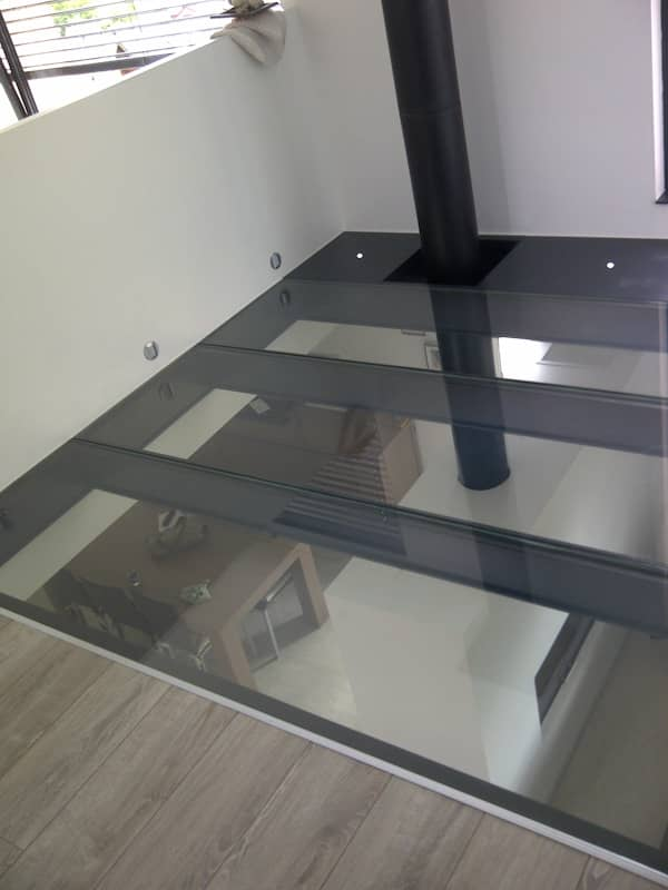 dalle de verre sur structure laquee anthracite 05. Black Bedroom Furniture Sets. Home Design Ideas