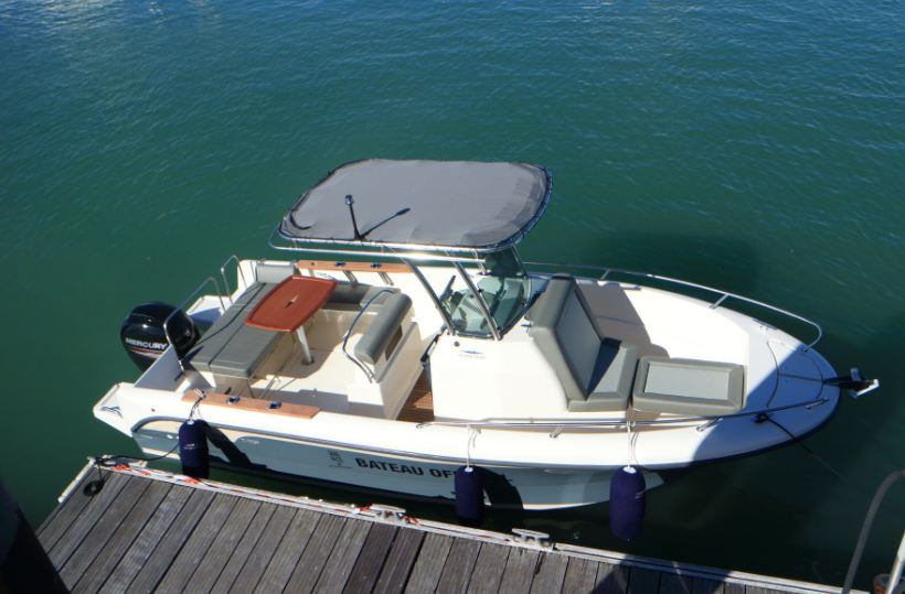 bateaux cruisers ostrea 600 open t top. Black Bedroom Furniture Sets. Home Design Ideas