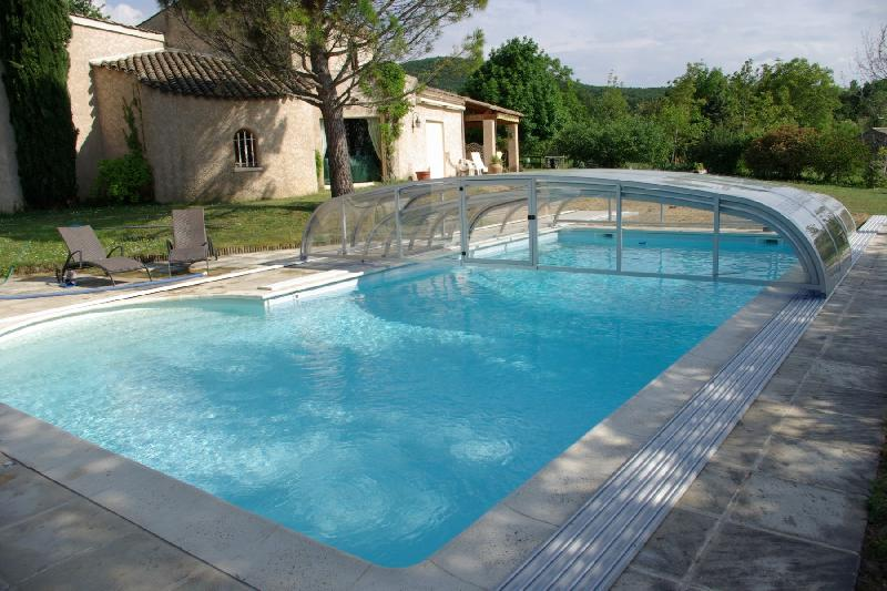 Abri piscine bas modele azur for Abris piscine uv
