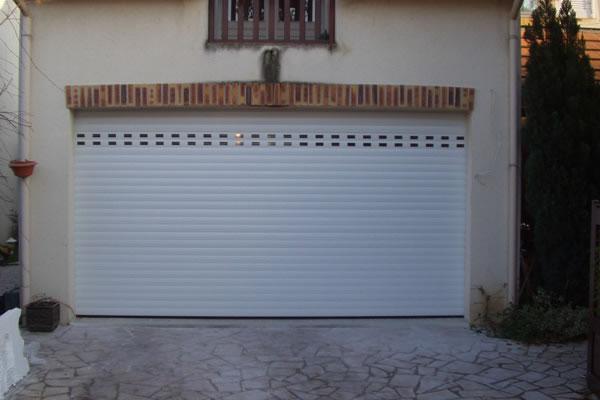 Portes de garage a enroulement tous les fournisseurs for Porte de garage a enroulement