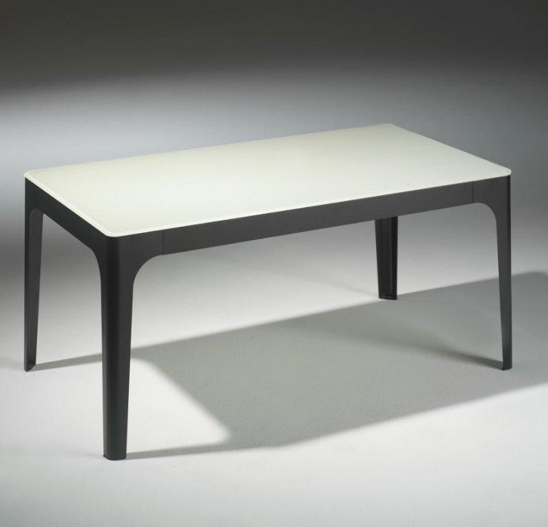 Table basse en verre laque noir for Table basse blanc et noir