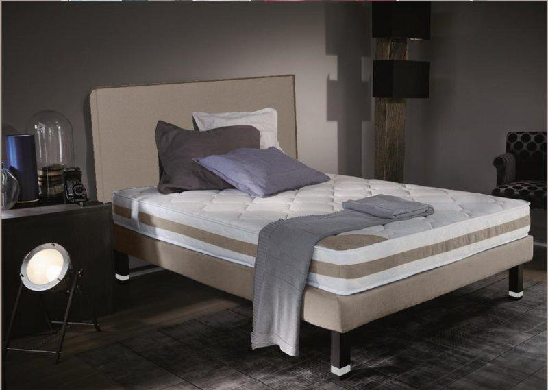 ensemble de lit square 160 200 cm pieds lys large choix de coloris. Black Bedroom Furniture Sets. Home Design Ideas