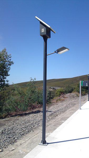 Lampadaire candelabre solaire nes 850 for Lampadaire exterieur rue