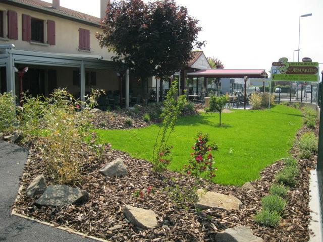 S v n produits services de paysagistes for Emploi entretien espace vert