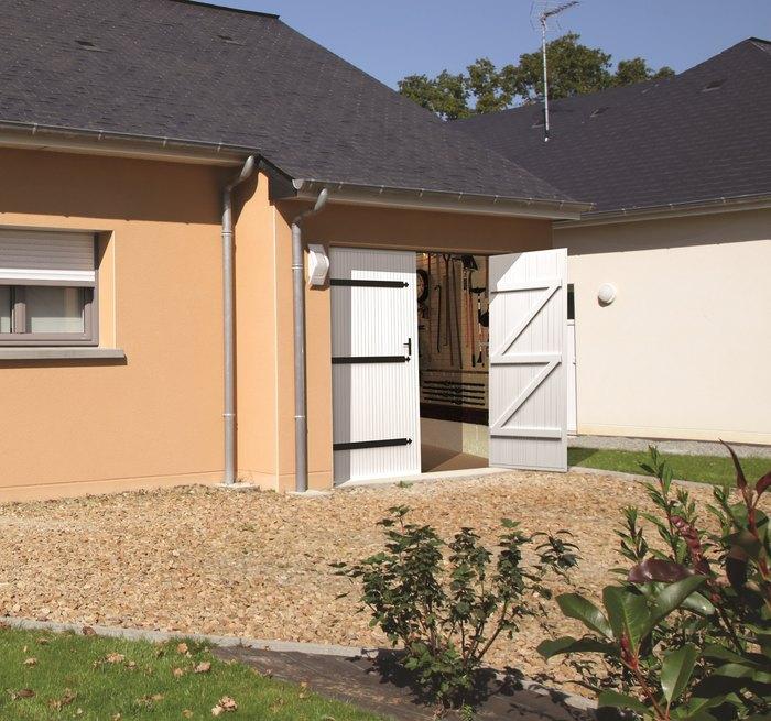 Maine fermetures produits portes de garage battantes for Portes de garage battantes