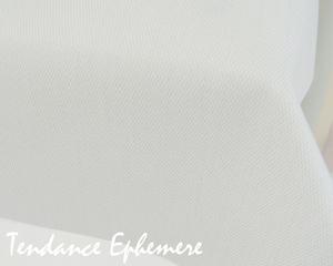 nappe effet tissu nappe effet tissu blanc 25m ref produit naplibc25g1. Black Bedroom Furniture Sets. Home Design Ideas