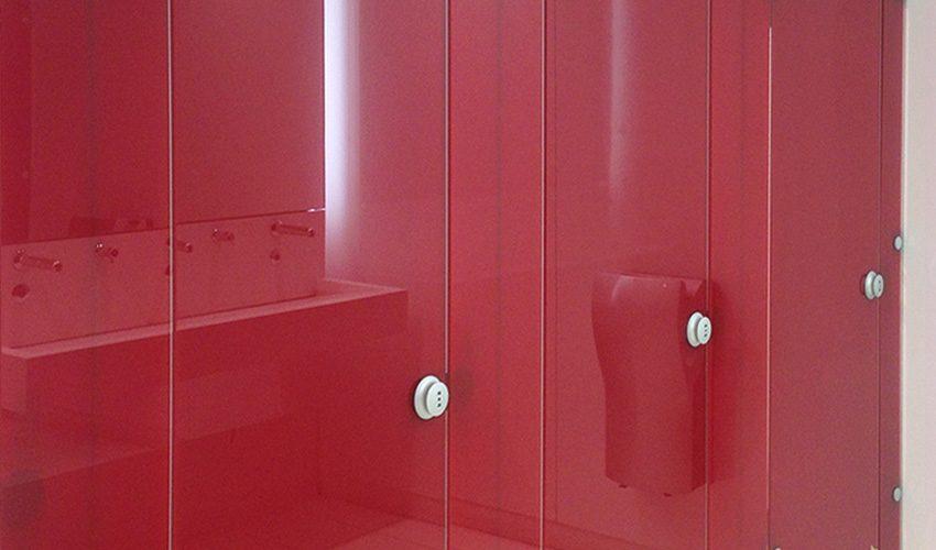 Cabine de vestiaire focea composite, finition verre épaisseur 48 mm