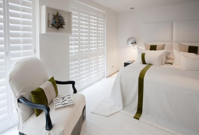 volet interieur shutters. Black Bedroom Furniture Sets. Home Design Ideas