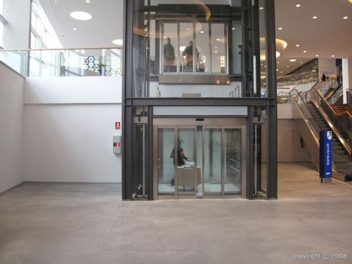 ascenseur commercial qhp de 2000 a 6000 kg. Black Bedroom Furniture Sets. Home Design Ideas