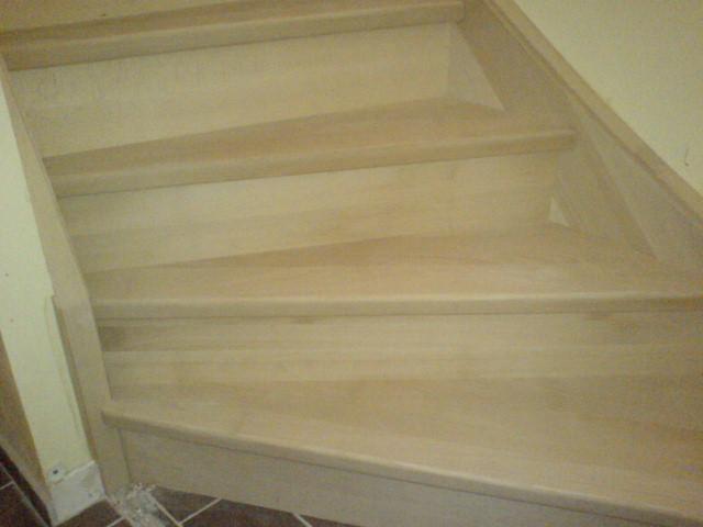 escalier quart tournant encloisonne. Black Bedroom Furniture Sets. Home Design Ideas