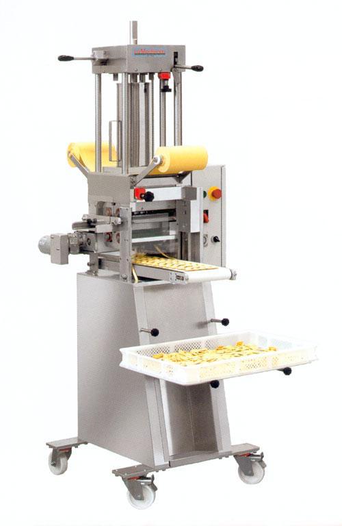 machines a pates tous les fournisseurs machine a pate fraiche machine a pasta machine a. Black Bedroom Furniture Sets. Home Design Ideas