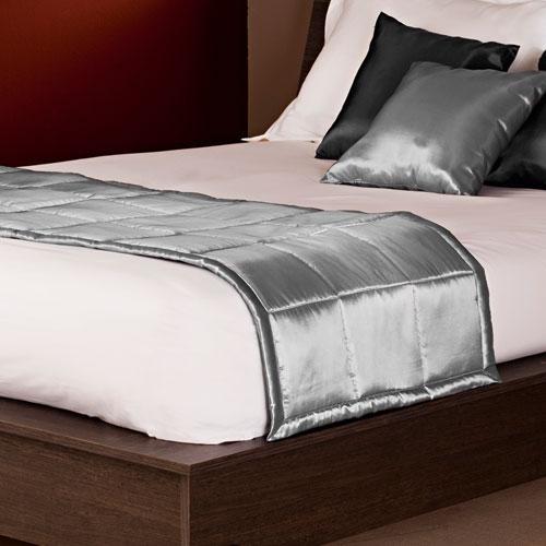 chemin de lit memphis. Black Bedroom Furniture Sets. Home Design Ideas