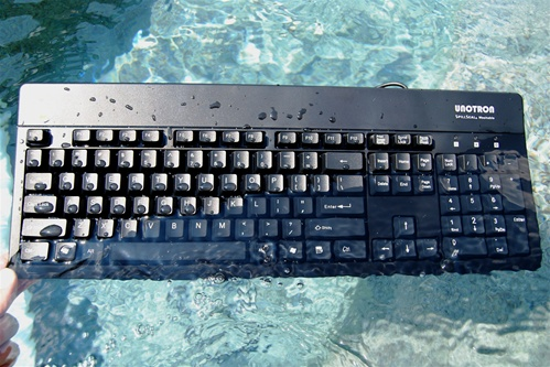 CLAVIER ANTIBACTÉRIEN LAVABLE IP66 S6000K