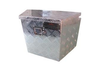coffre trapeze pour timon de remorque avec deport arriere 535x275x370 mm. Black Bedroom Furniture Sets. Home Design Ideas