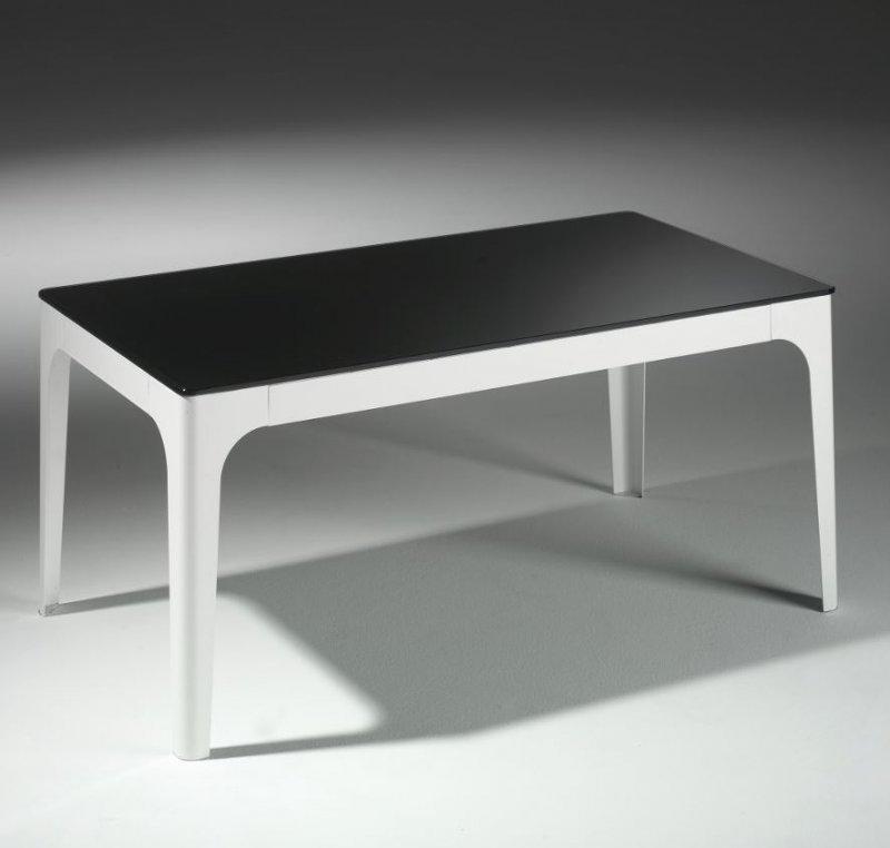 table basse mila en verre noir et pietement en acier laque blanc. Black Bedroom Furniture Sets. Home Design Ideas