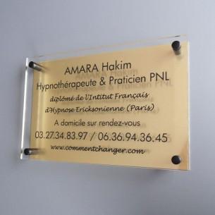plaques professionnelles plexiglas aluminium or comparer les prix de plaques professionnelles. Black Bedroom Furniture Sets. Home Design Ideas