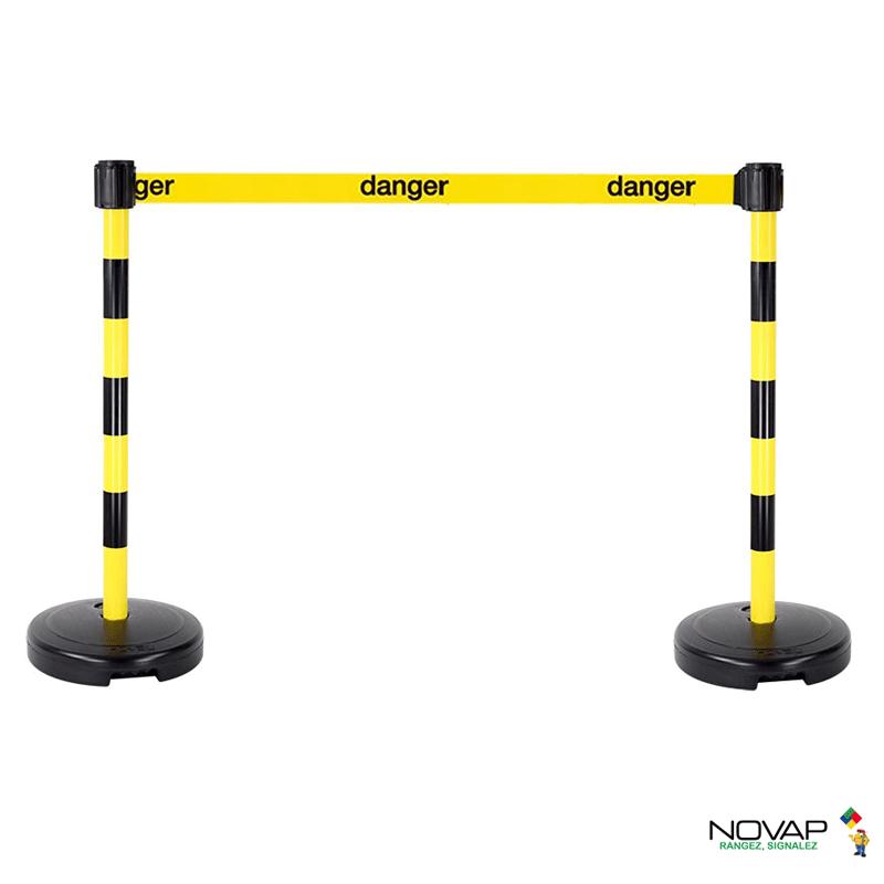 Kit 2 Poteaux PVC Jaune/Noir sur socle 9kg à lester avec tête à sangle Jaune Danger 3m x 50mm et tête réceptrice - 2800310