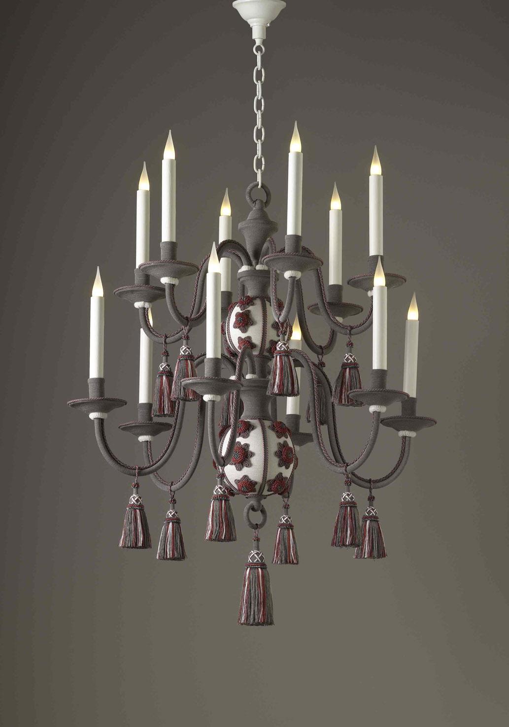 lustre fer et bois peint avec passementerie. Black Bedroom Furniture Sets. Home Design Ideas