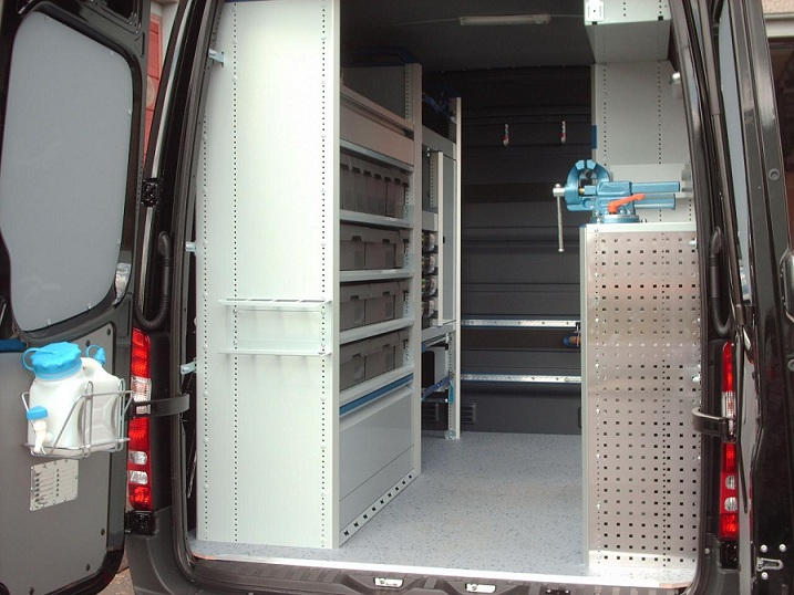 amenagement interieur pour mercedes sprinter. Black Bedroom Furniture Sets. Home Design Ideas
