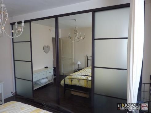 cloison coulissante sur mesure miroir et verre laque. Black Bedroom Furniture Sets. Home Design Ideas