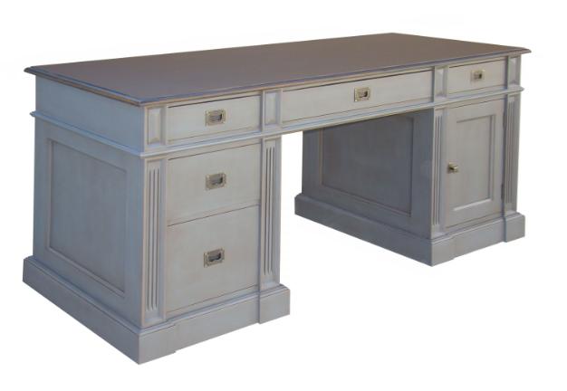 Bureau en bois massif 5 tiroirs 1 porte l 180 cm 39 39 gijon for Bureau 9 tiroirs