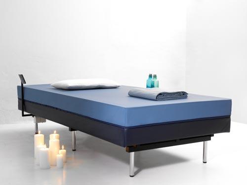 lits eau tous les fournisseurs lit eau classique. Black Bedroom Furniture Sets. Home Design Ideas