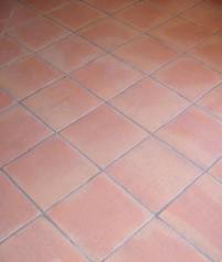 Sols interieurs en terre cuite la terre rosee vieillie for Recoller de la terre cuite