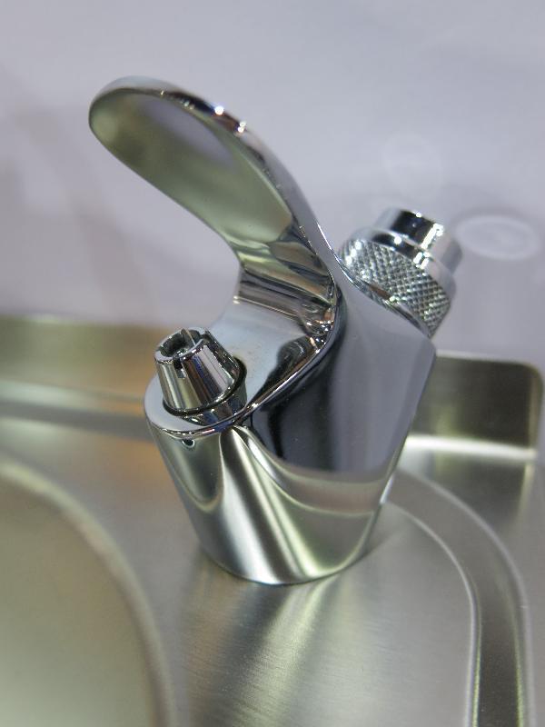 robinet poussoir pour fontaine comparer les prix de. Black Bedroom Furniture Sets. Home Design Ideas