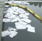 Feuille absorbante pour hydrocarbures 40cm x 45cm