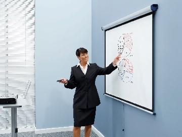 ecran de projection mural cadre noir 4 3 nobo 132 x 175 cm. Black Bedroom Furniture Sets. Home Design Ideas