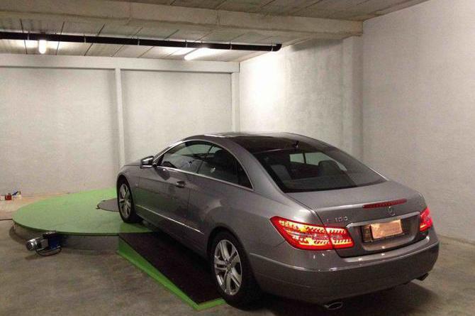 Lift systeme produits de la categorie plaques tournantes for Plateforme tournante garage