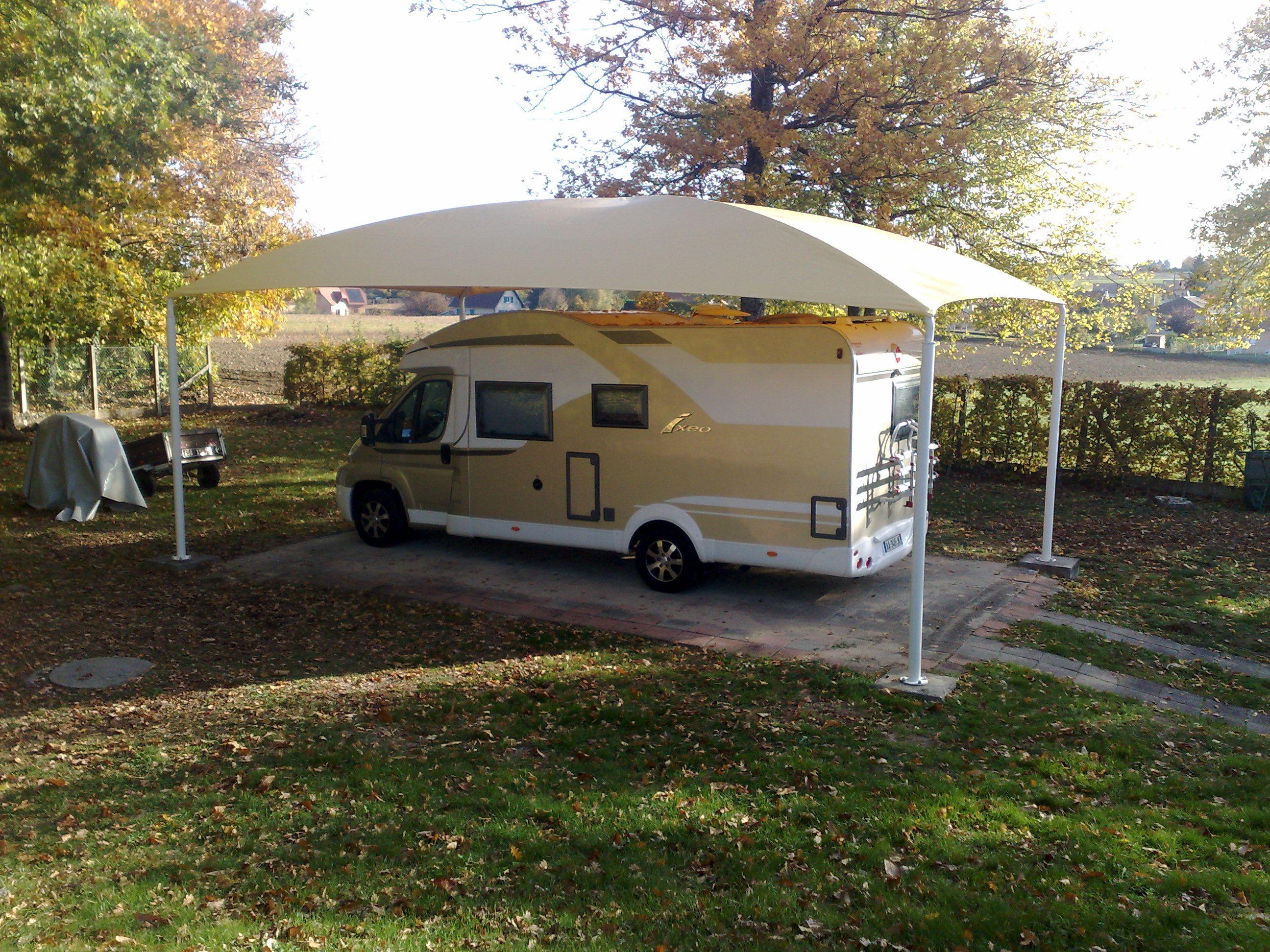 Abri camping car ouvert c3 bis / structure en acier / toiture arrondie