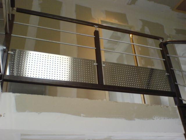 Escalier avec toles inox perforees for Balustrade inox prix