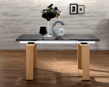 epsylon table repas extensible en verre fume pietement bois. Black Bedroom Furniture Sets. Home Design Ideas