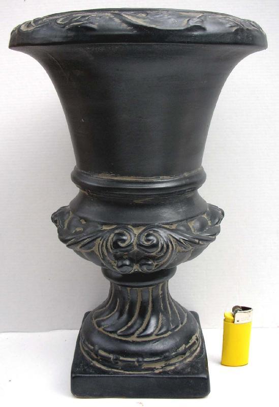 photos vases et poteries page 3. Black Bedroom Furniture Sets. Home Design Ideas