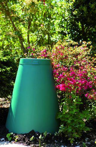 digesteur de d chets alimentaires green cone 112 cm vert plastic omnium comparer les prix de. Black Bedroom Furniture Sets. Home Design Ideas