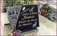 Plaque funéraire - travail de gravure et sculpture