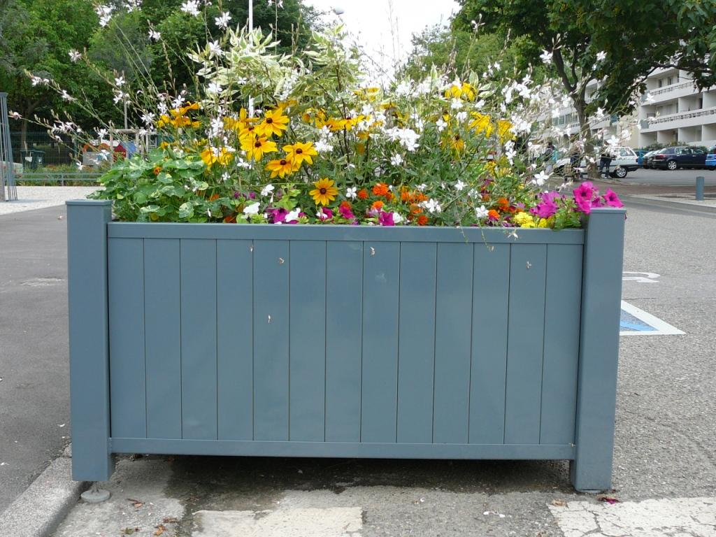 photos bacs a fleurs et jardinieres page 1. Black Bedroom Furniture Sets. Home Design Ideas