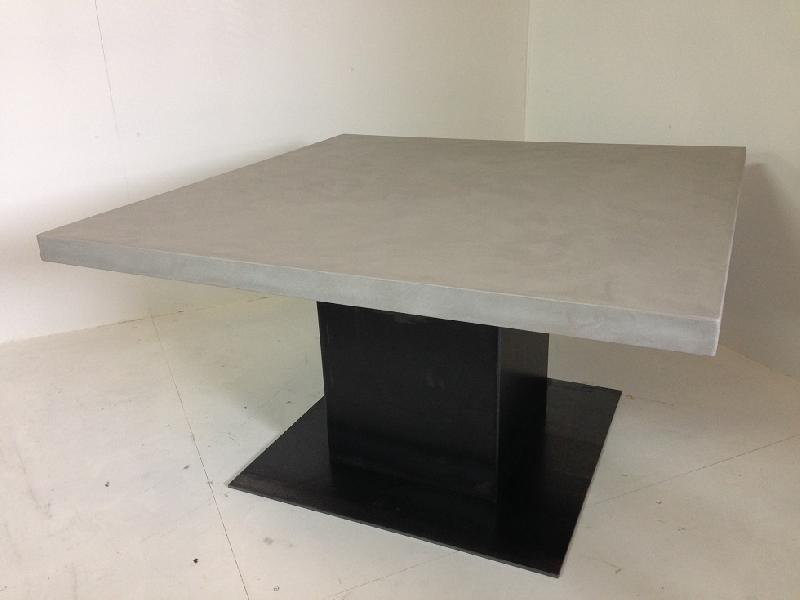 Table a manger carree beton cire + mono socle en acier (6 teintes au choix)