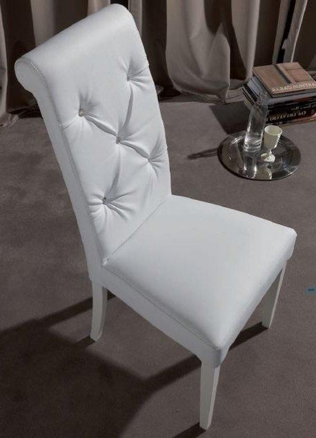 Chaise Billionaire En Tissu Enduit Polyurethane Simili Facon Cuir Blanc Et Boutons Type Cristal