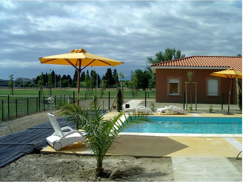Chauffage solaire piscine polytub s for Chauffage piscine solaire