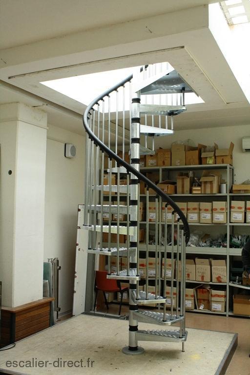 escaliers helicoidaux exterieur o. Black Bedroom Furniture Sets. Home Design Ideas