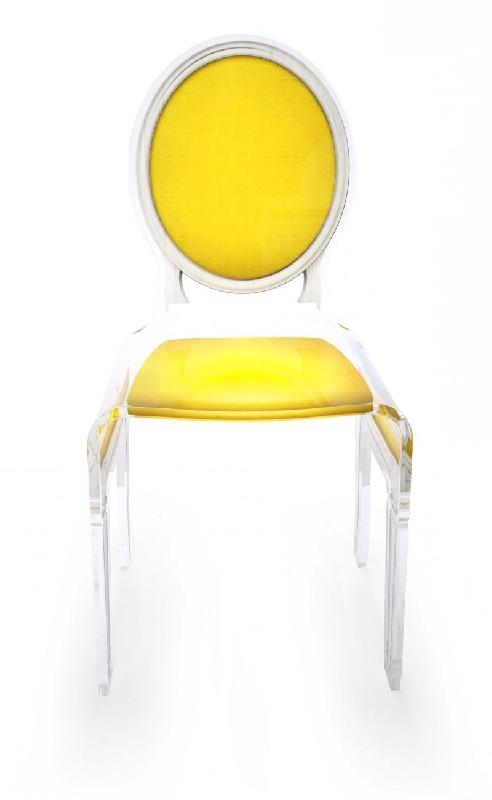 Sixteen chaise acrila en plexi jaune for Chaise jaune design