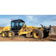 F156.7 niveleuses new holland-6 129 kw/173 hp